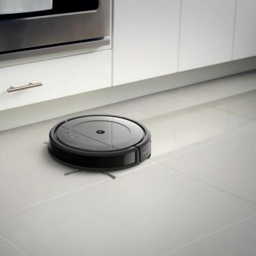 iRobot Roomba Combo mopuje podłogę