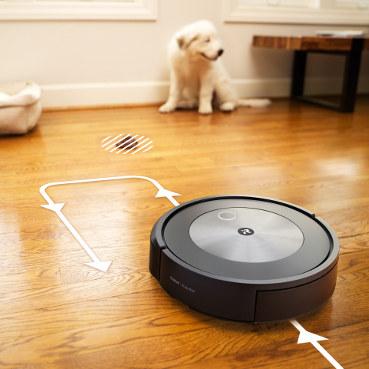 iRobot Roomba j7 rozpoznaje przeszkody