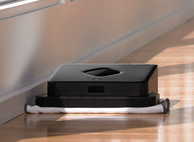 Braava sweeps in straight lines back and forth to efficiently pick up dust, dirt & hair.